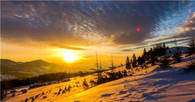 延时摄影冬天山上的日出