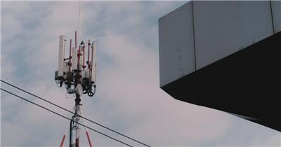 延时摄影城市里的电信天线
